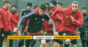 Somaspor Dev Maçın Hazırlıklarını Yağmura Rağmen Sürdürdü