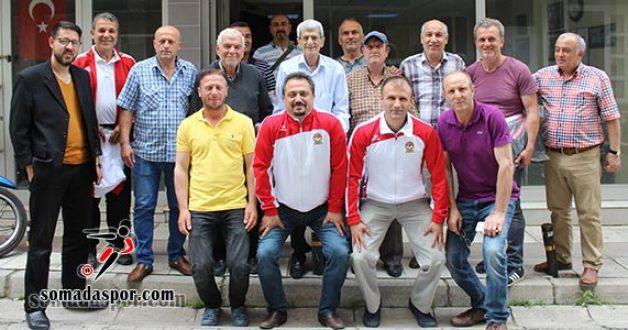 Manisa Tüfad'dan 150 Antrenöre Eşofman Desteği