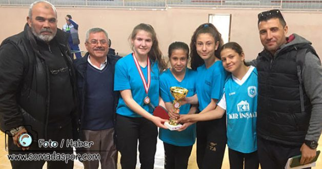 Ayşe Temizel Orta Okulu Masa Tenisinde Kupa Bırakmadı!