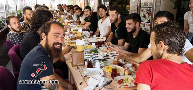Somaspor'da Kaynaşma Yemeği.
