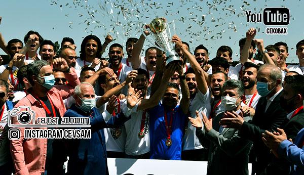 Şampiyon Somaspor 2.Lig Kupasını Müzesine Götürdü