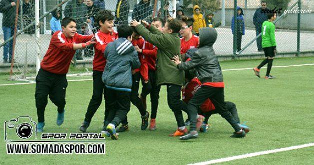 Küçük Erkekler Futbol Müsabakaları Oynandı