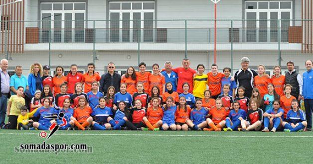 Zaferspor'lu Kızların Rakibi Konak Belediye Spordu..