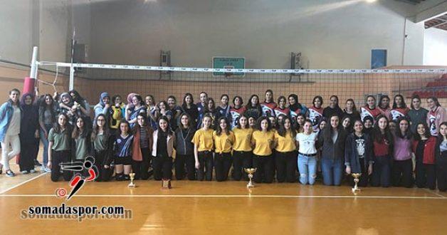 Soma İlçe Kupası Genç Kızlar Voleybol Turnuvası Tamamlandı.